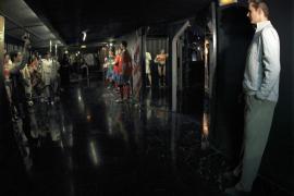 La figura de cera de Urdangarín está  vestido de calle y frente a la sala de Deporte