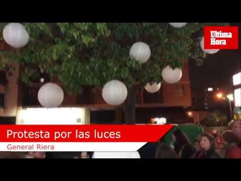 Los comerciantes de General Riera encienden sus luces navideñas en protesta contra Cort