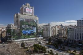 Un juzgado suspende las obras en el Edificio España ante la denuncia por riesgo