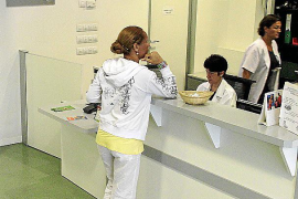 Más de 500 trabajadores se oponen a la sectorización de la atención primaria