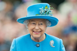 Isabel II pesa a su familia antes y después de la cena de Nochebuena
