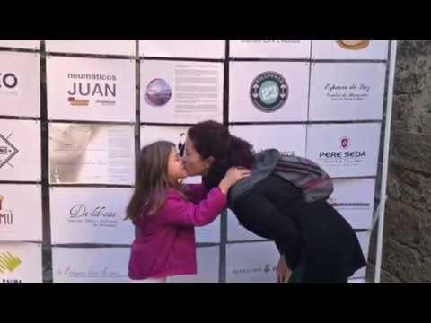 Besos contra la violencia de género en Palma