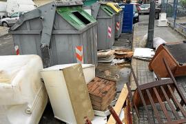 Emaya sanciona solo a 44 ciudadanos por abandonar trastos en las calles de Palma