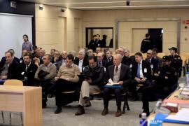 Rato y el resto de antiguos consejeros, en el banquillo por la salida a Bolsa de Bankia