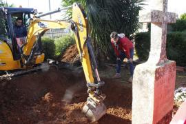 Comienzan los trabajos de excavación de la fosa de Santa Maria