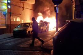 La noche de este lunes ardió un contenedor en la calle Lisboa
