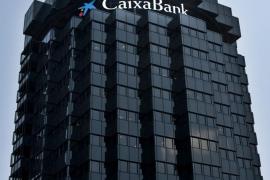 CaixaBank cerrará más de 800 oficinas urbanas