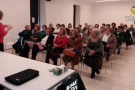 La Guardia Civil imparte en Inca una charla de prevención de violencia de género dirigida a personas mayores