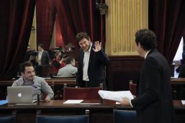 Jarabo pide a Álvaro Gijón que abandone el Parlament