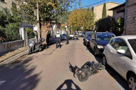 Un motorista arrolla a tres policías en un control en Sóller