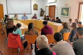 Los jóvenes de Formentera demuestran su compromiso con la isla en el pleno infantil