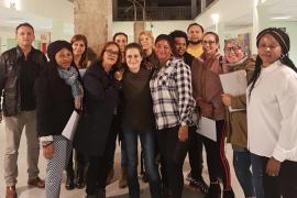 Trece personas se han preparado en Palma para la prueba de nacionalidad española