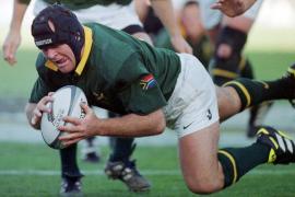 Un campeón sudafricano de rugby resulta herido grave durante un robo