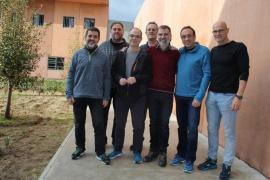 Los políticos presos en Lledoners preparan huelgas de hambre