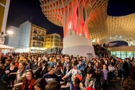 Miles de personas protestan contra Vox en Andalucía
