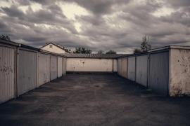 Retiene tres días en un garaje a una joven a la que agredió sexualmente