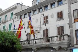 El Ajuntament aplica poca presión fiscal, pero tarda en pagar sus facturas