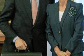 De Guindos elogia a Elena Salgado: «Te tocó bailar con el más feo»