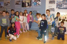 Alumnes del CEIP Miquel Capllonch visitaren la Mostra 125 anys de Periodisme d' Ultima Hora al Museu Es Baluard
