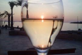 Puesta de sol en una copa (Sant Antoni de Portmany - Ibiza)