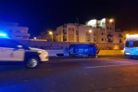 Cuatro heridos tras colisionar un coche contra un muro en Palma