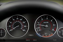 Archivada la causa contra los dueños de un coche 'cazado' a 242 kilómetros por hora al no poder determinar quién conducía