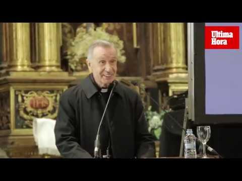 El cardenal Ladaria recibe el 'Premi Popular d' Honor'