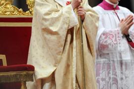 El Papa le pide a Dios en la Misa del Gallo que muestre su poder y arroje a los opresores