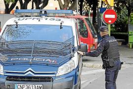 A prisión por atracar con un cuchillo a una mujer que iba con su hijo en Palma