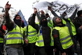 ¿Quiénes son los chalecos amarillos y por qué protestan en Francia?