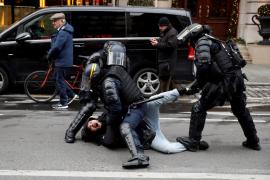 Detenidas en Francia 2.000 personas en las protestas de los chalecos amarillos