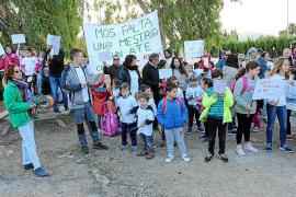 La federación de padres acusa a los sindicatos de olvidar a las familias en sus programas