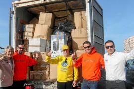 12.000 refugiados de Lesbos caminarán algo más cómodos estas navidades