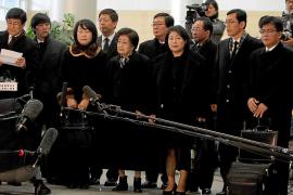 Una comitiva surcoreana se reúne por primera vez con Kim Jong-un