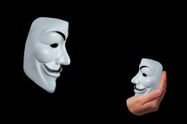 La Nueve de Anonymous ataca a VOX