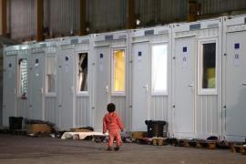Miles de inmigrantes esperan en Bosnia para cruzar a UE pese al frío y la persecución policial