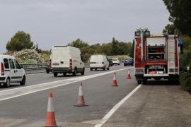 Una pareja herida grave al caer en coche sobre la autopista de Andratx