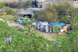 Un centenar de personas viven en 21 asentamientos chabolistas en Palma