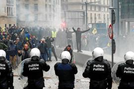 Detenidas 100 personas en Bruselas en una manifestación de la ultraderecha