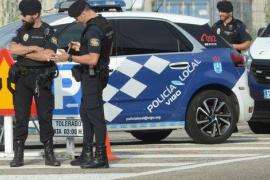 Detenida una sexagenaria que atacó a los policías que la iban a multar