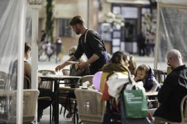 Baleares lidera el aumento salarial en verano por las subidas en los convenios