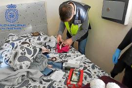 Detenidos por obligar a una mujer a robar para ellos en locales de Palma