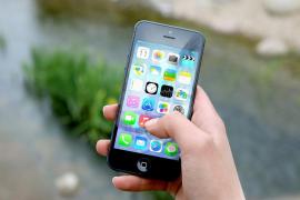 Una empresa ofrece 80.000 euros a cambio de vivir un año sin smartphone