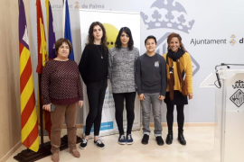Las personas trans podrán cambiar el nombre de la tarjeta ciudadana de Palma antes de tener la documentación de cambio de sexo