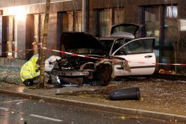 Un muerto y 8 heridos en Alemania al chocar un coche contra una parada autobús