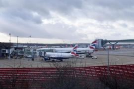 El Reino Unido retirará las restricciones a vuelos nocturnos en los aeropuertos de Londres