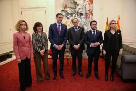 Sánchez y Torra apuestan por un «diálogo efectivo» y se volverán a reunir en enero