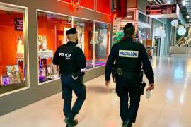 Sanción a un escaparate pornográfico en Palma