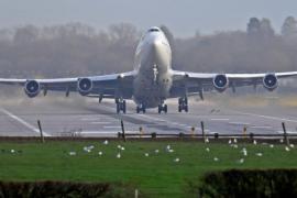 Gatwick reanuda sus vuelos tras la última suspensión por un dron