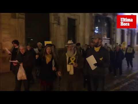 Unas 40 personas apoyan en Palma las movilizaciones en Barcelona del 21D